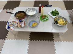 調理イベントの裏話。  調理イベントの食材や調理方法等はスタッフが昼食を兼ねて試食をして話し合いながら企画します。